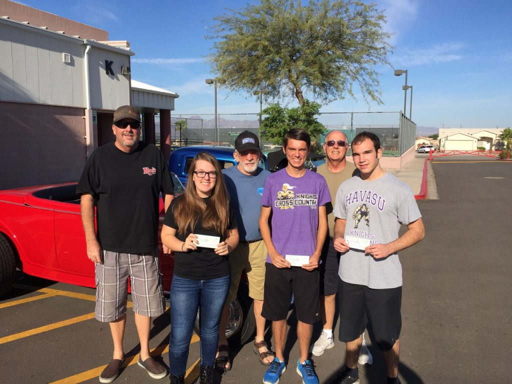 Lake Havasu High School athletes receive scholarships from Havasu Deuces