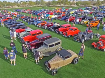 Havasu Deuces car show